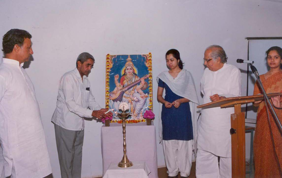 Prof. G.P. Rao, Founder Spandan, Lightning the Lamp in the workshop on 'Human Values' (2002)
