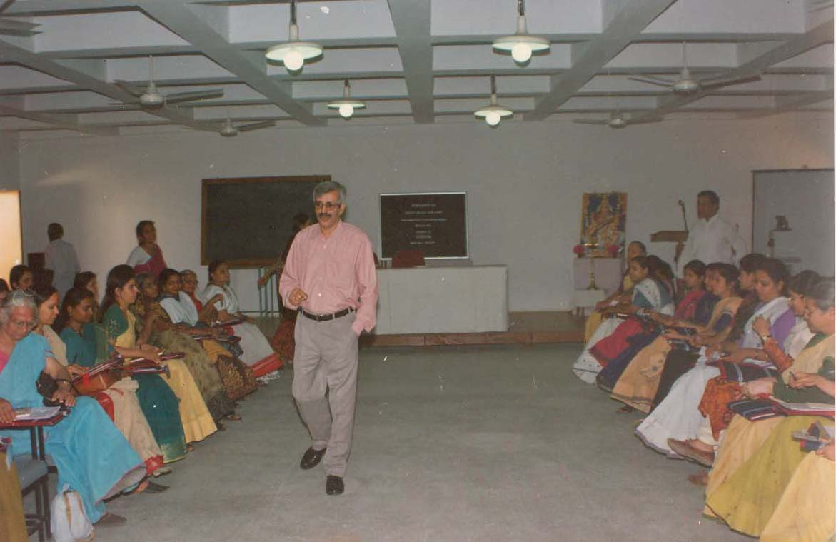 Prof. Subhash Sharma Interacting during the Workshop on 'Creativity and Self Development' (2002)