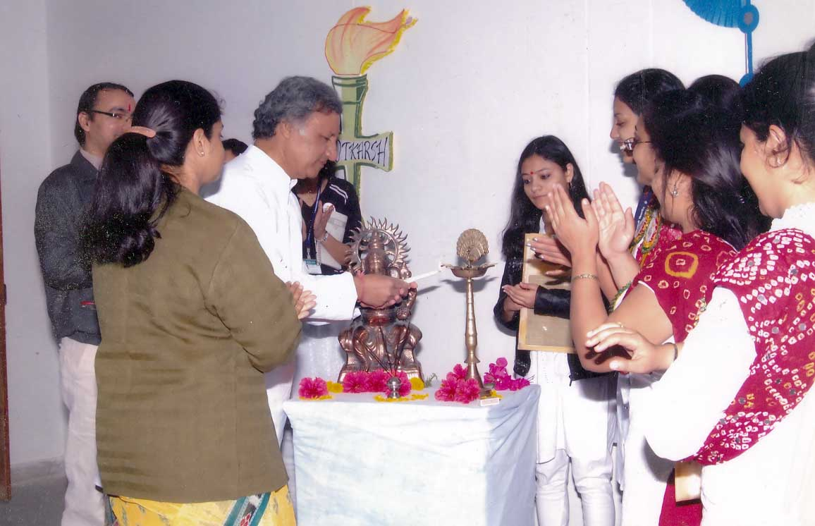 Prof. Siddarth Shastri, Dean, Lightning the lamp at the inaugaral session of 'Navotkarsh' (2009)